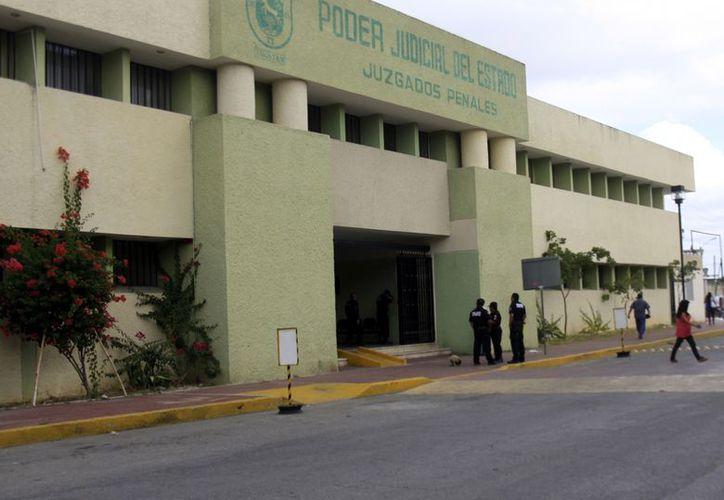 Frente a los juzgados penales se pretende edificar el nuevo edificio. (Christian Ayala/SIPSE)
