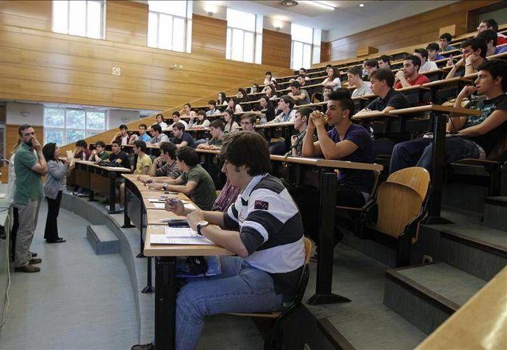 La universidad tiene previsto agregar posteriormente programas en los que se obligue a los estudiantes a hablar en francés, portugués, árabe y chino mandarín. (Archivo/EFE)