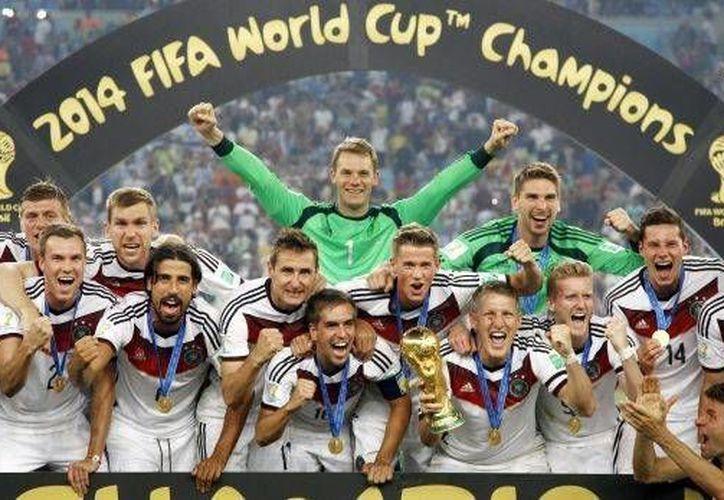 Inglaterra lanzará su candidatura para poder albergar la Copa Mundial de Futbol en 2030. En la foto, Alemania campeón del mundo del último mundial disputado.(AP)