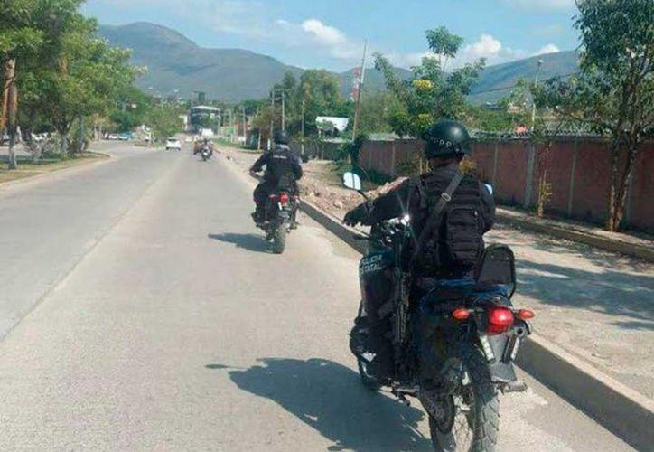 En el operativo implementado para detener a los agresores, agentes  se ubicaron en la avenida Ruiz Cortines. (Excélsior).