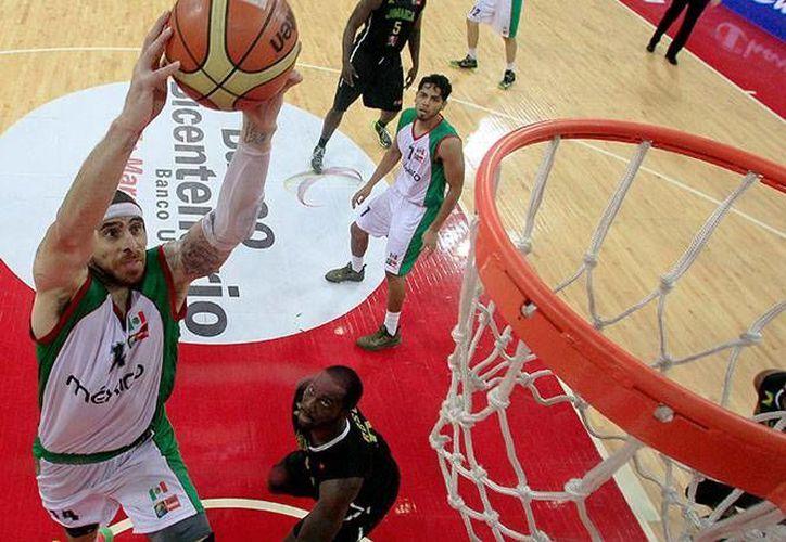 El trabajo en equipo provocó que la selección mexicana arrasara con sus contrincantes en el Premundial de basquetbol a celebrarse en España. (Agencias)
