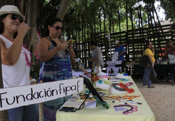 En el evento participó la Fundación Internacional para Ayudar a las Familias. (Sergio Orozco/SIPSE)
