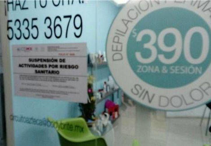 Los establecimientos clausurados carecían de permisos sanitarios y de personal médico certificado. (Milenio)