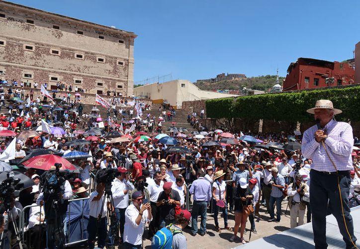 """""""Y si hay diferencias se deben resolver por medio del diálogo y la política"""", afirmó López Obrador. (Notimex)"""