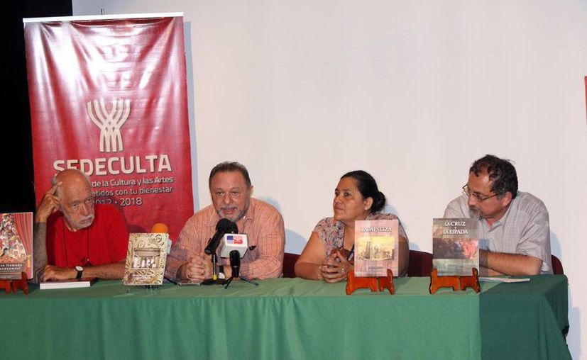 En el marco del festival de teatro se anunció la presentación de cuatro libros relacionados con el teatro regional, los cuales amplían las actividades de dicho festival.(Milenio Novedades)