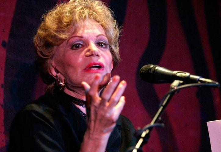 La actriz Chela Castro falleció ayer en la Ciudad de México; tenía 84 años de edad. Imagen de archivo de la actriz durante una presentación de la obra <i>Monólogos de la vagina</i>. (NTX)