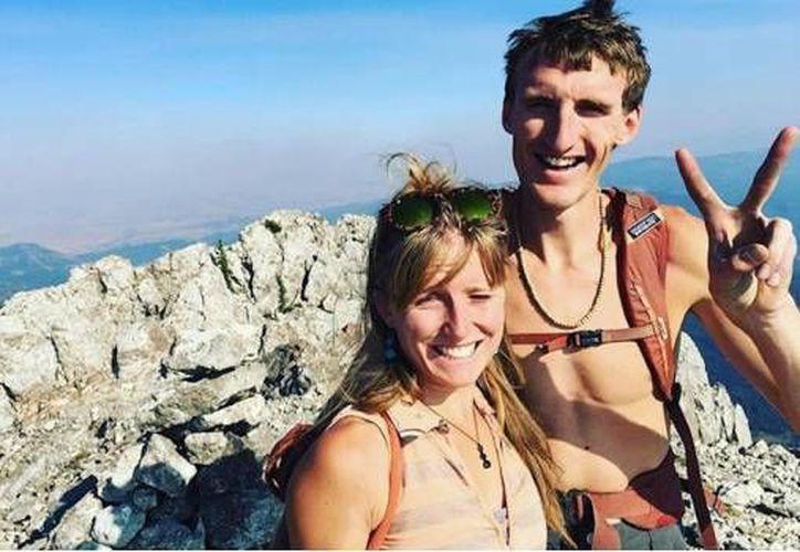 a pareja fue alcanzada por el alud mientras esquiaban en las montañas de Montana, Estados Unidos. (Vanguardia)