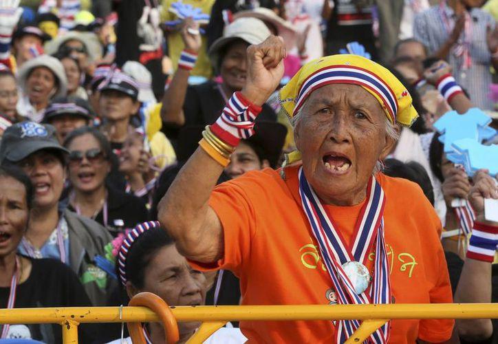 Los manifestantes buscan derrocar a la primera ministra de Tailandia y cambiar el modelo democrático del país. (Agencias)