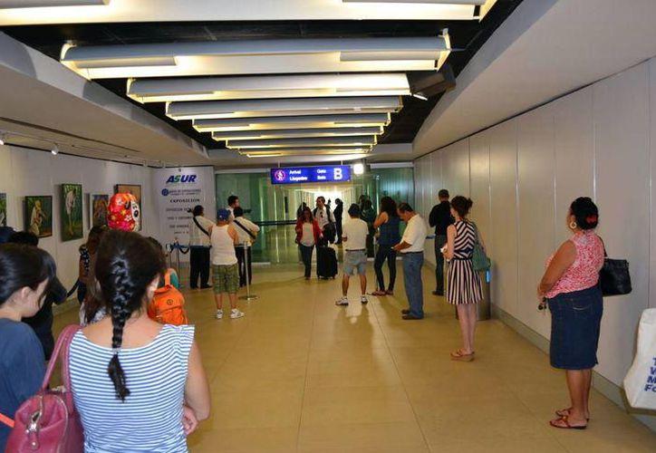 En estos días crece la afluencia en la terminal aérea. (Foto: Milenio Novedades)