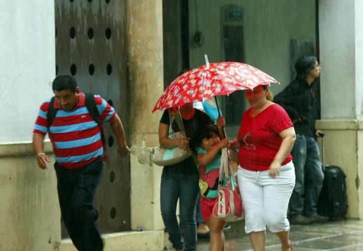 El domingo por la tarde llovió en diversos puntos de Mérida. (Christian Ayala/SIPSE)