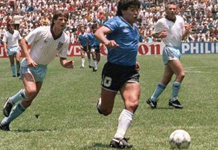 """En """"México 86. Mi mundial, mi verdad. Así ganamos la Copa"""", Diego Armando Maradona recolecta la experiencia de jugar este torneo en suelo mexicano. (Imagen tomada de www.ole.com.ar)"""