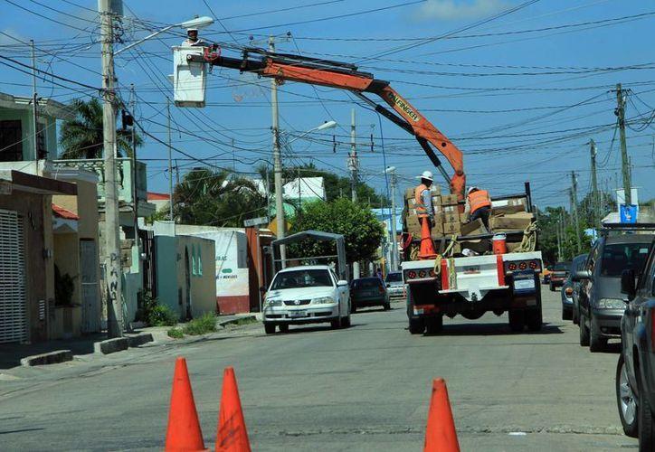 El Ayuntamiento ve ahorro de 300 mdp por el cambio de luminarias. (Milenio Novedades)