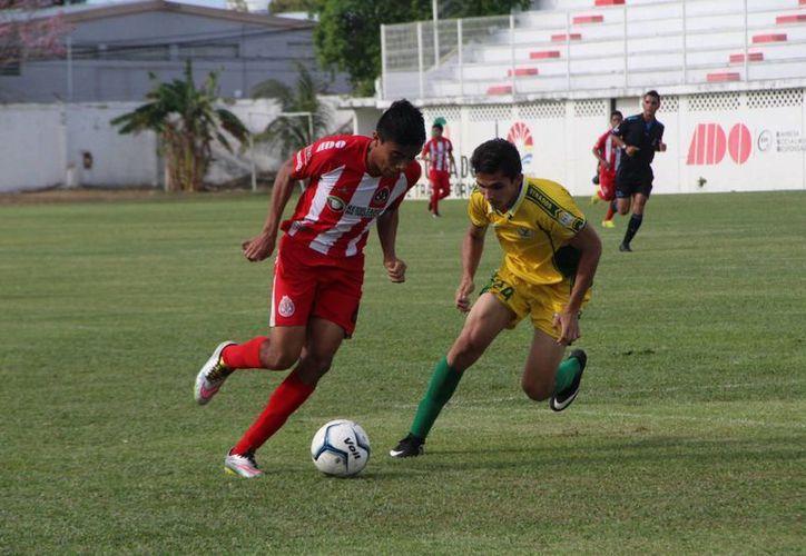 Pioneros Junior se apunta un triunfo de 2-0 en la fecha 23. (Ángel Mazariego/SIPSE