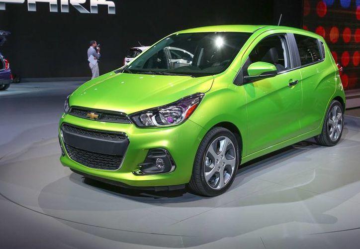 Chevrolet Spark con transmisión manual es el vehículo que más ahorra gasolina. (caranddriver.com)