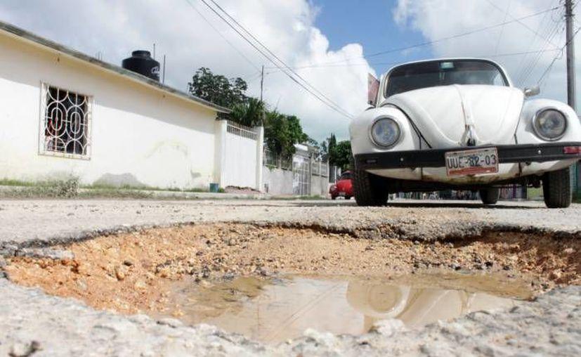Con la colación de geomallas disminuirá el gasto que se hace constantemente para la restauración de calles. (Redacción/SIPSE)
