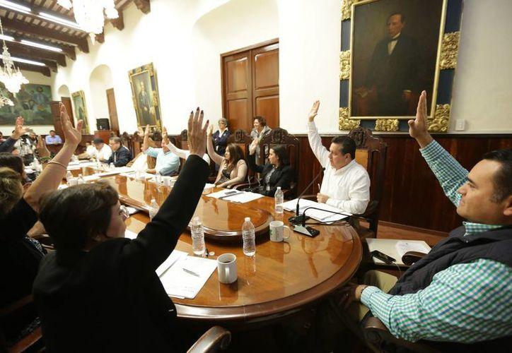 Los regidores aprobaron el subsidio de 11 millones 720 mil 267.96 pesos para el Carnaval de Mérida 2015. (SIPSE)