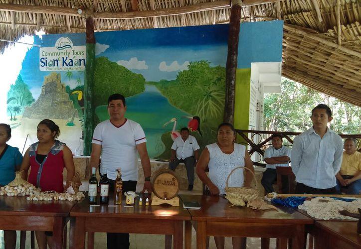 La creación de esta tienda artesanal es para ayudar económicamente a los artesanos quintanarroenses.