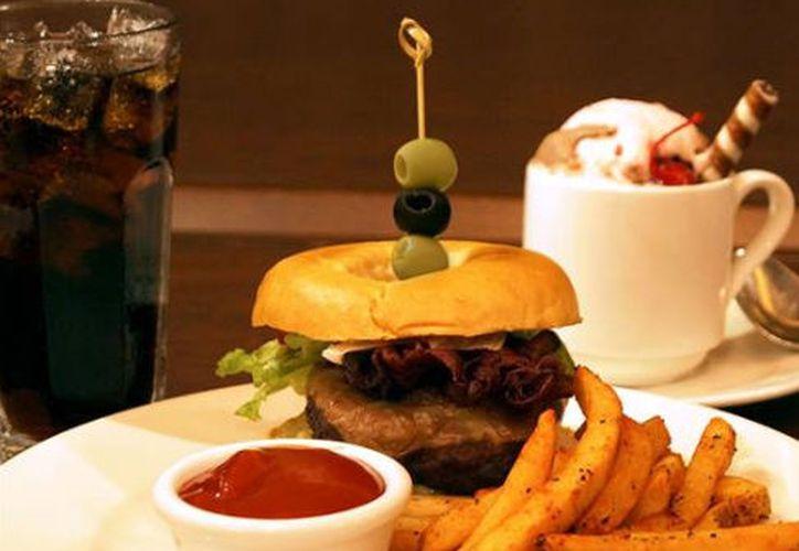 El costo de una comida completa que incluye entrada, plato fuerte y postre será de 119 pesos. (Facebook)