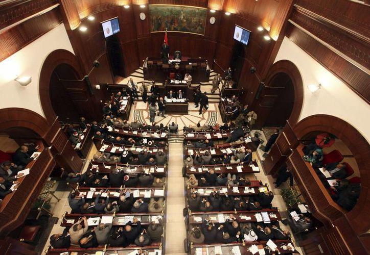Vista general de la apertura de las sesiones del Consejo de la Shura (Cámara alta del Parlamento de Egipto), en diciembre de 2012. Cuatro años después, sesionó nuevamente. (EFE/Archivo)