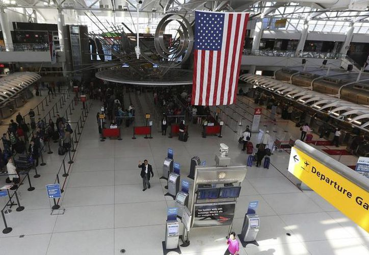 Las autoridades locales han ampliado la seguridad en el aeropuerto como medida de precaución. (Archivo/EFE)
