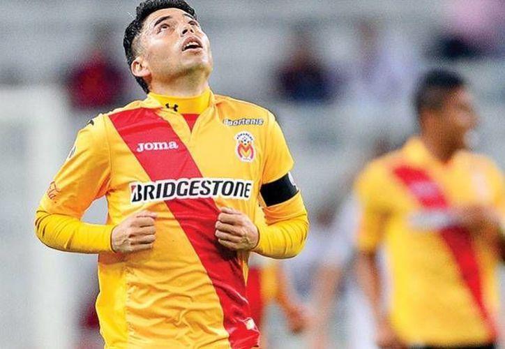 Carlos Morales es uno de los futbolistas mexicanos que siempre ha mostrado cariño y respeto por el equipo 'de sus amores', los Monarcas Morelia. (Archivo Mexsport)