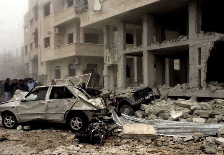 Daños causados por el estallido de un coche bomba en Hama, Siria, el 22 de enero. (EFE/Foto de archivo)