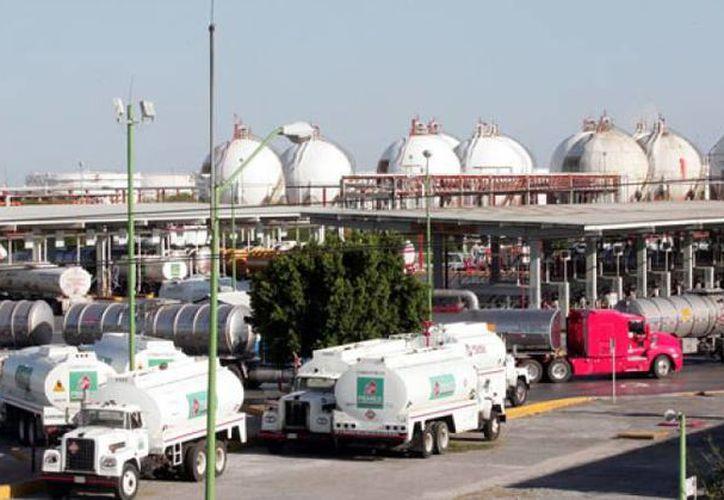 Pemex considera abrir al uso particular, entre otras instalaciones, las de Guaymas y Rosarito. (energiahoy.com)