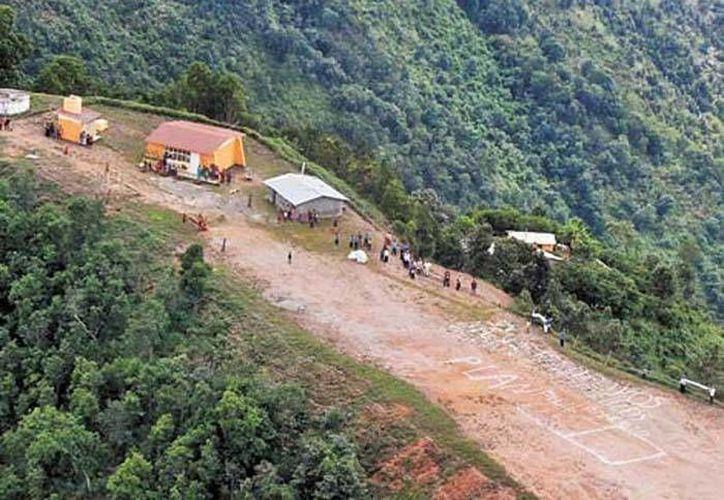 En la comunidad Plan Ranchito, perteneciente a Ayutla de los Libres, se encuentran incomunicados, por lo que se pide ayuda. (Jorge Carballo/Milenio)