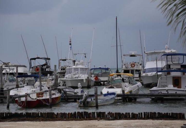 Vientos y lluvias causan pérdidas al sector náuticos. (Redacción/SIPSE)