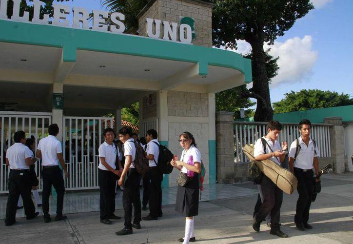Continuarán con normalidad las actividades en los planteles educativos. (Tomás Álvarez/SIPSE)