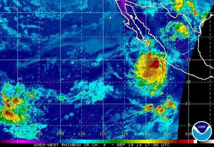 En su avance la tormenta tropical Polo ocasionará potencial de lluvias muy fuertes a intensas y oleaje elevado en los estados del occidente del país. (ssd.noaa.gov)