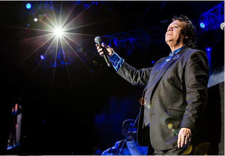 A casi seis meses de la partida de Juan Gabriel, su trayectoria será celebrada durante un concierto homenaje en Toluca. (facebook.com/ElesJuanGabriel)