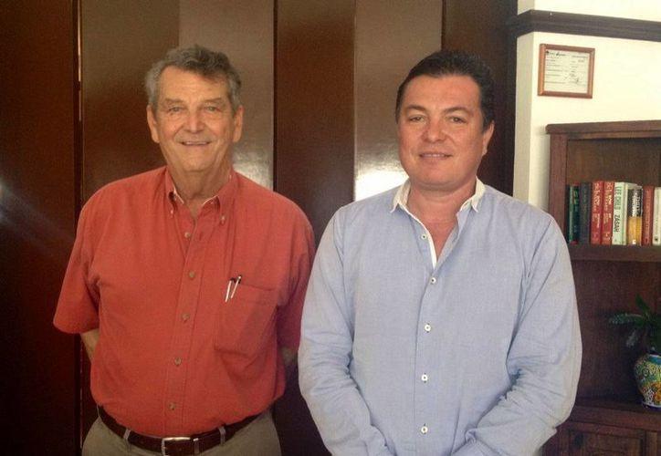 Roberto Citrón Díaz y Juan Carlos González tocaron temas como la promoción del caribe mexicano. (Cortesía/SIPSE)