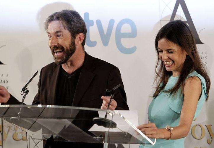 Los actores Antonio de la Torre y Elena Anaya, anuncian los finalistas a la XXVII edición de los Premios Goya, que se entregarán el próximo 17 de febrero en Madrid. (EFE)