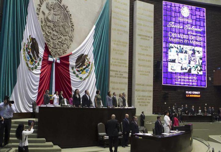 Con 296 votos a favor, diputados aprobaron la Ley de Ingresos 2014. (Milenio)