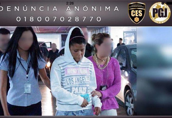Nayeli García Montaño, de 20 años, alias La Degolladora, presunta autora de varios homicidios en el Edomex, ya fue enviada al penal de Neza. (wordpress.com)