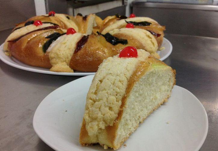 La rosca conmemora la llegada de los Reyes Magos a Belén. (David Pompeyo/SIPSE)