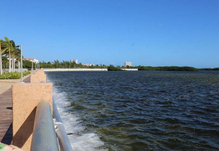 La obra se ubica del lado derecho del Malecón Tajamar. (Israel Leal/SIPSE)
