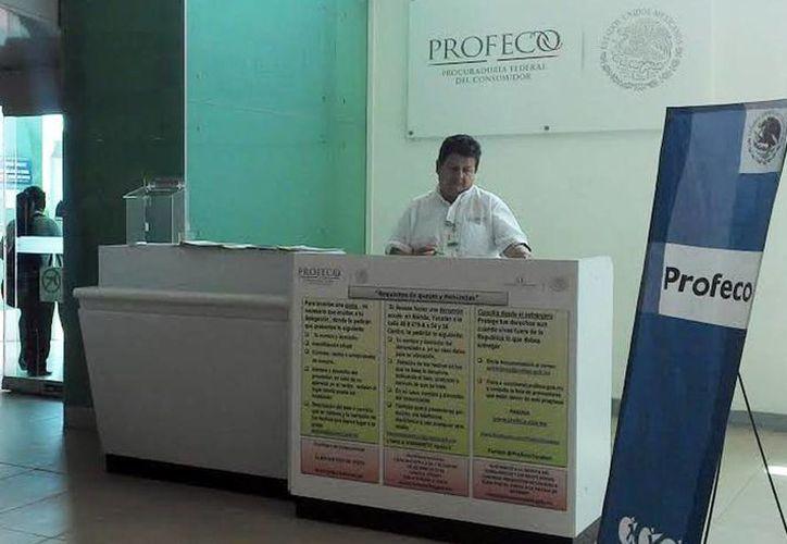 El módulo de atención de la Profeco en el Aeropuerto de Mérida estuvo para apoyar a los turistas que llegaron a Mérida. (Milenio Novedades)