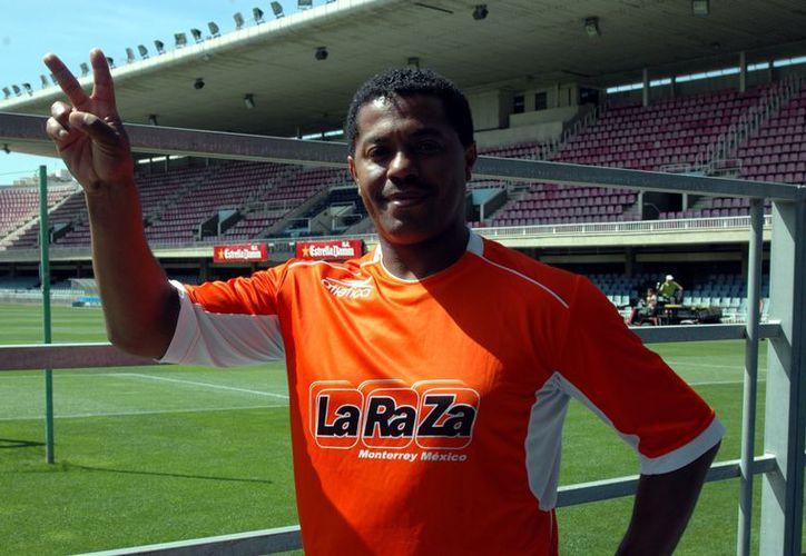 En mayo de 2010, Zizinho explotó contra el manejo del Tricolor y la FMF cuando 'Jona' fue cortado de la lista de jugadores que participaron en Sudáfrica 2010. (Foto: Agencia Reforma)