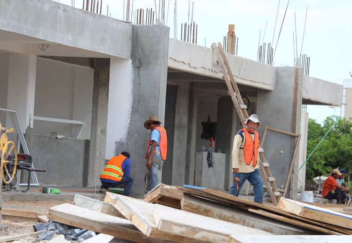 En la construcción ocuparán a trabajadores afiliados a la CROC. (Octavio Martínez/SIPSE)