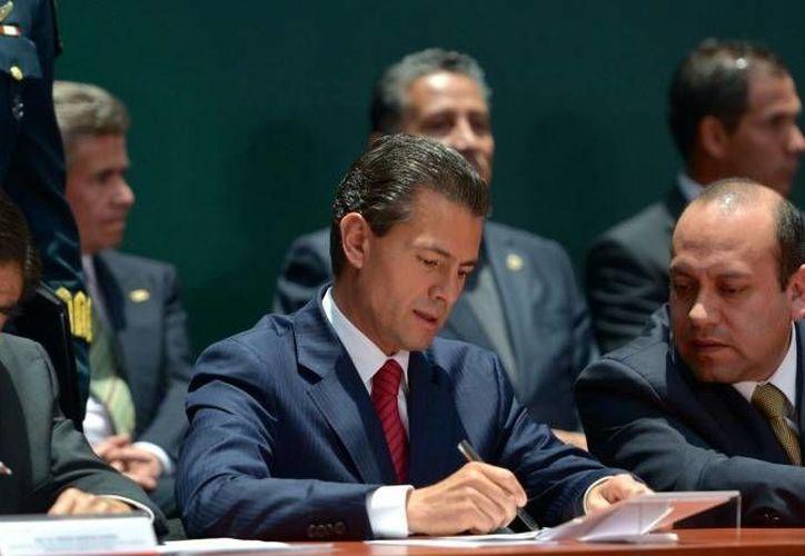 Peña Nieto declaró que su propiedad en Valle de Bravo fue un obsequio de su padre. (Archivo/Presidencia)
