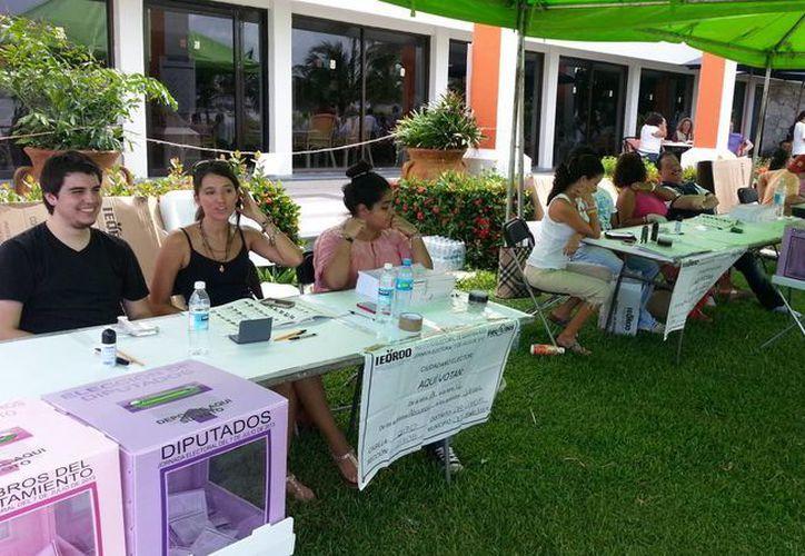 Hasta el momento la votación en Cancún transcurre en calma. (Jesús Tijerina/SIPSE)