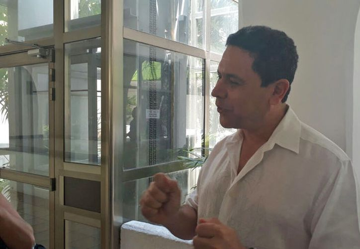 Gregorio Sánchez Martínez señaló que contrademandará al escritor por invadir sus datos personales. (Redacción/SIPSE)