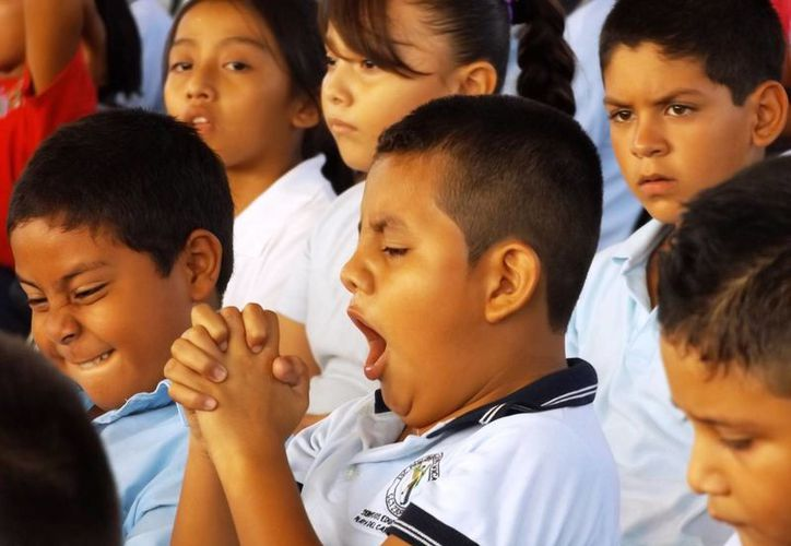 Miles de estudiantes regresaron hoy a las aulas escolares luego de 19 días de descanso. (Octavio Martínez/SIPSE)