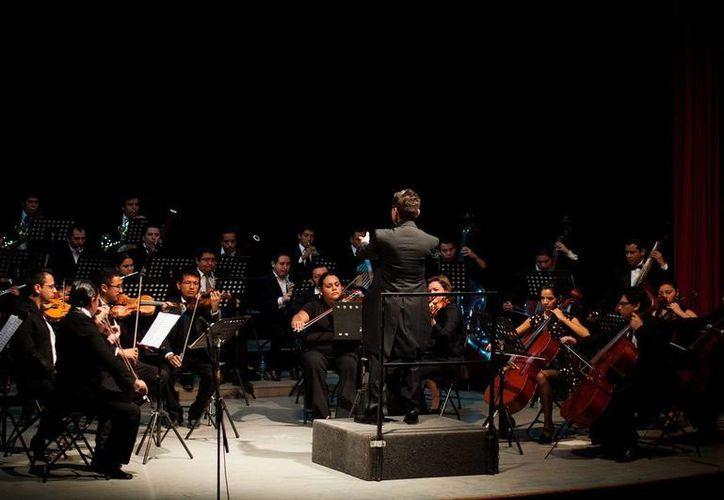 """La Oscam interpretará el """"Poema de Neruda"""" de Galindo, """"Tierra de Temporal"""", de Moncayo y """"La sinfonía inconclusa"""" de Schubert, en el homenaje a José Emilio Pacheco. (Cortesía)"""