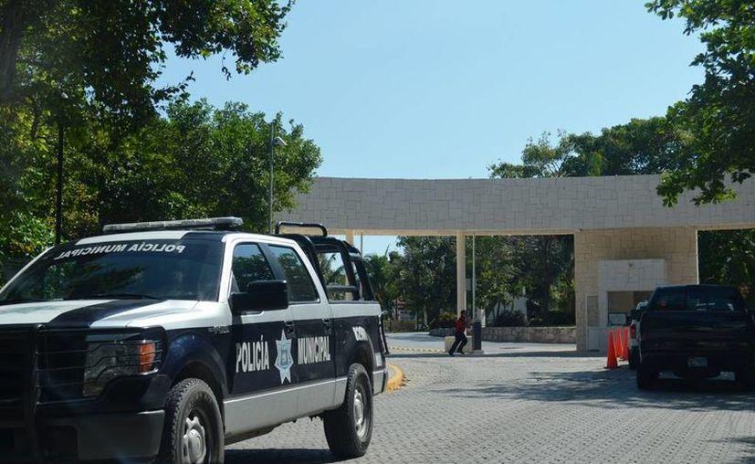 Policías hirieron de bala a un vendedor ambulante en Playacar Fase II.  (Redacción/SIPSE)