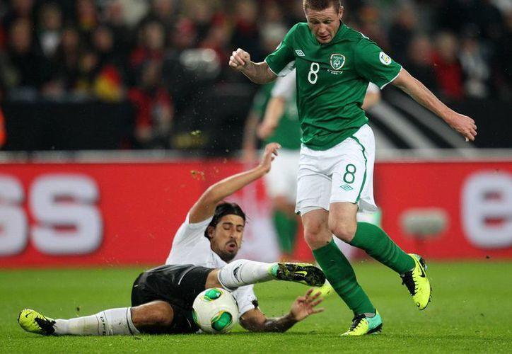 Alemania certificó su boleto a Brasil con una victoria de local 3-0 ante Irlanda. (Agencias)