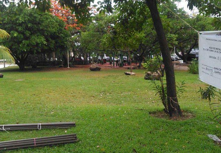 Se instalará una carpa para evitar que las lluvias dañe el material electoral. (Stephani Blanco/SIPSE)