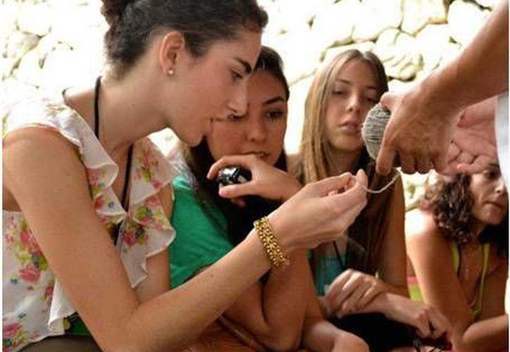 Jóvenes del Instituto de Estudios Creativos participarán en la fiesta de diseño en Cancún. (Contexto Internet)